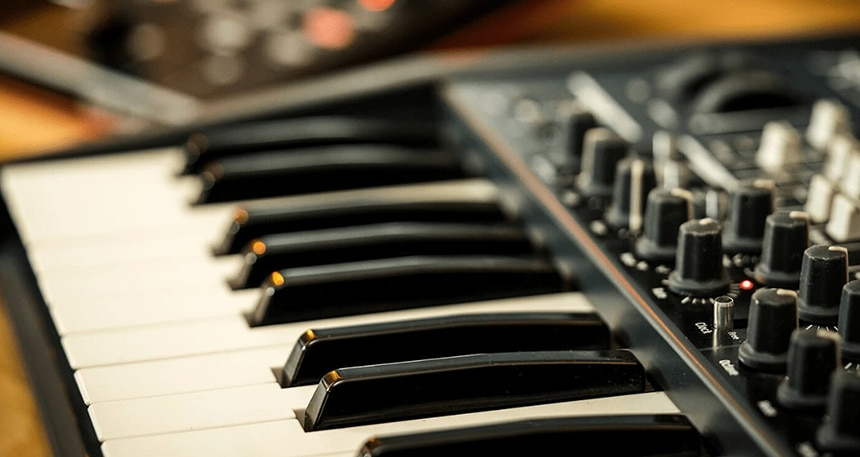 3 Best Synthesizers for Pads - Your Way to Incredibly Detailed Soundscapes