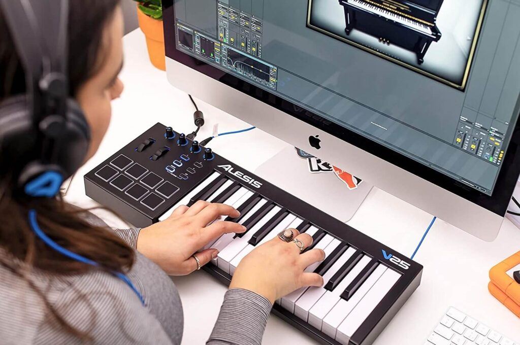 8 Best 25-Key MIDI Controllers That Are Both Compact and Functional