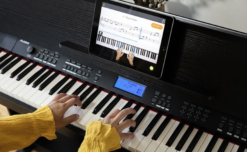 10 Best Digital Pianos Under $2000 - Choose the Instrument of Your Dreams!