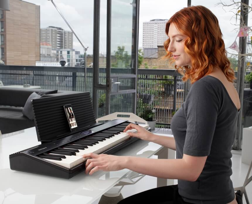 9 Best Roland Keyboards – Impressive Sound Quality and Effects!