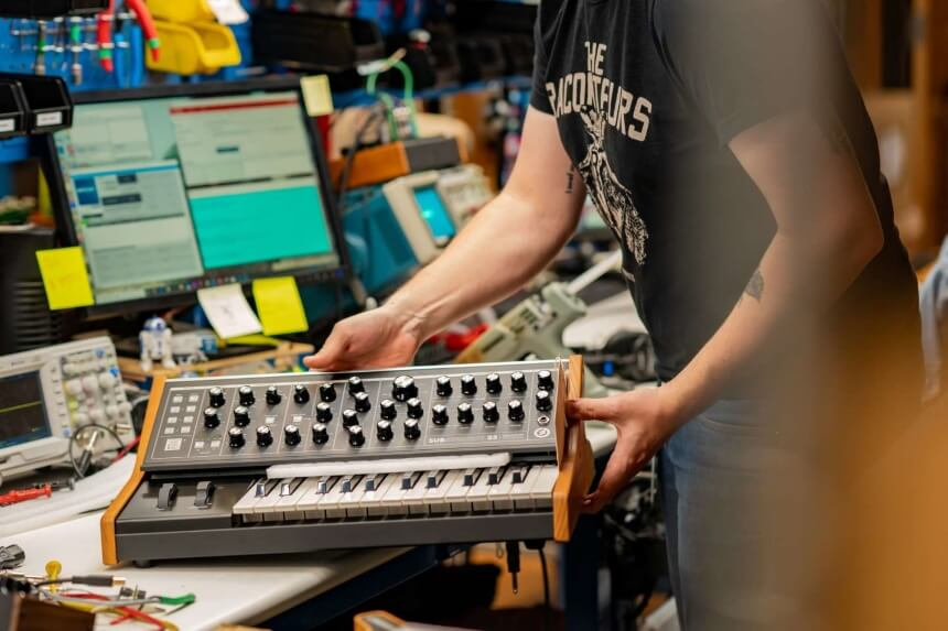 10 Best Synths under $1000 – High-End Models Suitable for Every Genre!