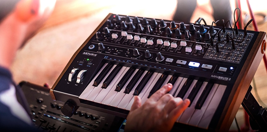 5 Best Synthesizers for Beginners - Choose Your First Synth Wisely!
