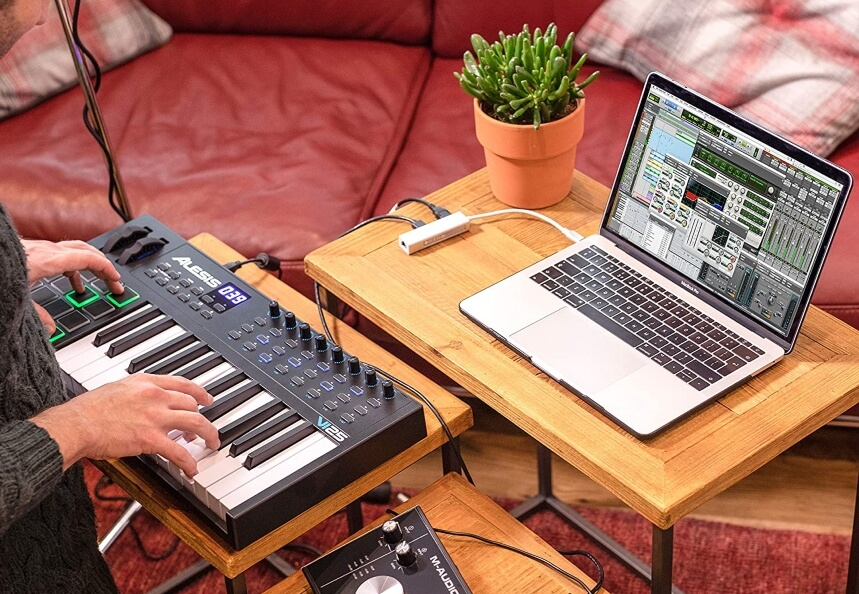 10 Best MIDI Controllers for Cubase – High-End Options for Music Creation!