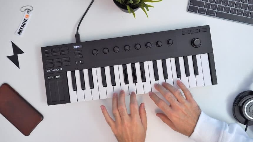 6 Quality MIDI Keyboards under $200 for the Best Musical Experience on a Budget
