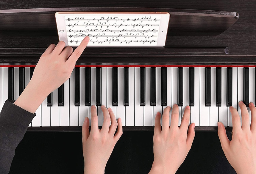 9 Outstanding Digital Pianos Under 1000 Dollars to Create Beautiful Melodies