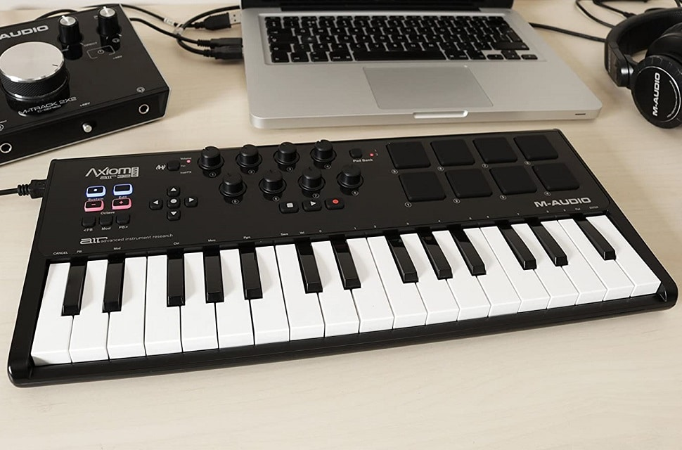 5 Most Compatible MIDI Controllers for Reason and Things to Consider Before You Buy