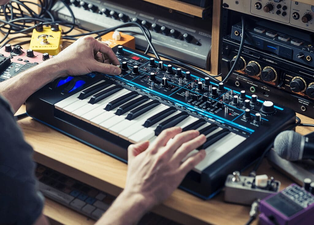 6 Best Bass Synths: Great Sound and Functionality