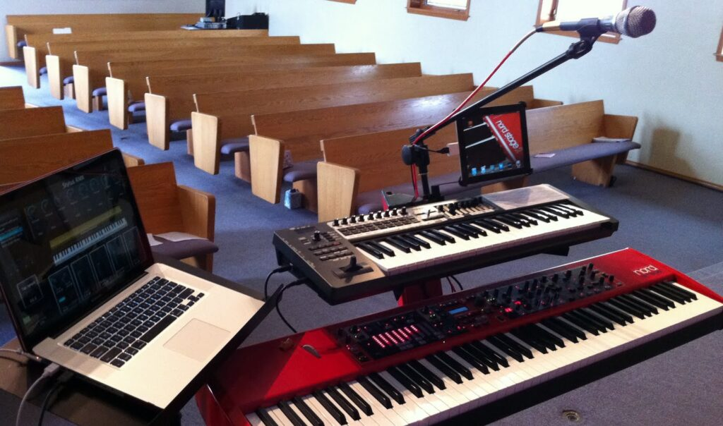 5 Wonderful Keyboards for Worship - Make Music that Touches Souls