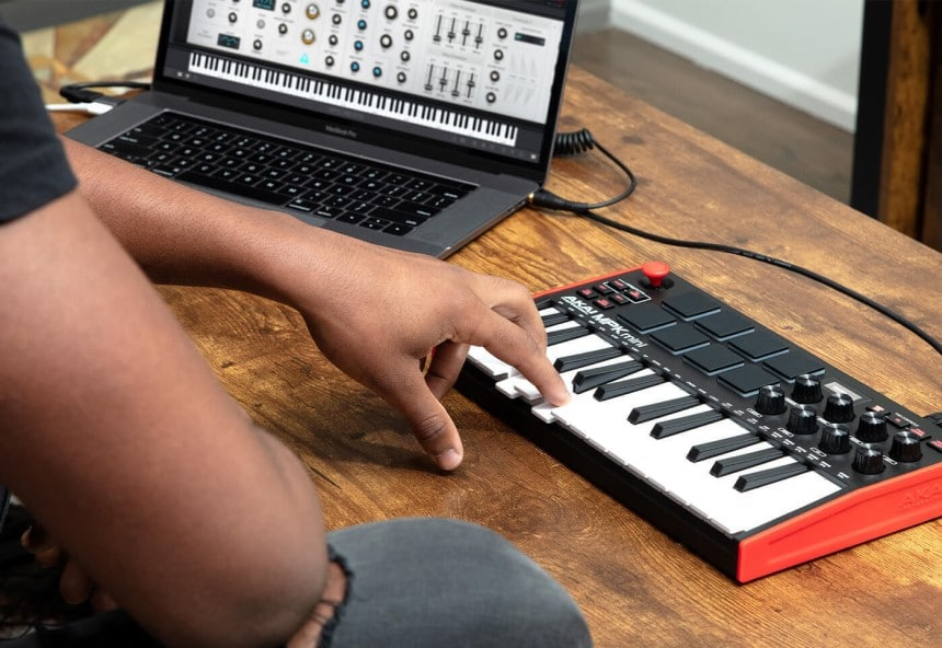 MIDI Controller vs Keyboard: Choose What's Best for You!